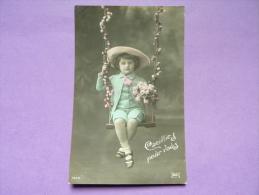CPA FANTAISIE - ENFANT - Garçon En Culotte Courte Sur Une Balançoire, Chapeau, Fleurs - LILAS N° 7670 - - Bambini