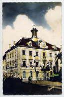 HERICOURT--L´Hotel De Vile Et La Poste (petite Animation) ,cpsm  9 X 14  éd Brard--carte Trouée - Otros Municipios