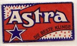 RAZOR BLADE RASIERKLINGE ASTRA MADE IN GERMANY    Nicht Ohne Rasierer Gefüllt - Rasierklingen