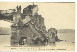 Carte Postale Ancienne Mézières - Destruction Du Pont De Chemin De Fer En 1871 - Chemin De Fer, Guerre - France
