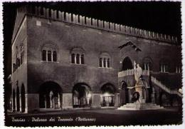 TREVISO - PALAZZO DEI TRECENTO - NOTTURNO (TV) - Treviso