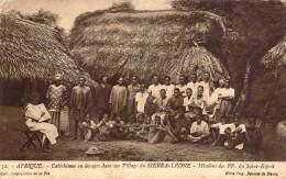 Sierra-Leone - Cathéchisme En Images Dans Un Village - Sierra Leone