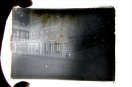 Lyon Ou Villeurbanne En 1910 - Rue Avec Commerces  -  RARE Plaque De Verre Photo - Plaques De Verre