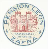 SPAIN ♦ ZAFRA ♦ PENSION LEON ♦ ESPAÑA ♦ VINTAGE LUGGAGE LABEL ♦ 2 SCAN - Hotel Labels
