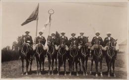 Männer Auf Pferde, Fahne, Standarte - Rückseitige Unterschriften, Original Fotokarte Gelaufen 1933? Von Teufenthal ... - Glaube, Religion, Kirche