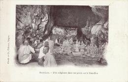 Haut Laos Fete Religieuse Dans Une Grotte Sur Le Nam Hou Edit Claude - Laos