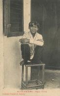 103 Saigon  Un Boy Fumant La Cigarette  Coll. Poujade De Ladeveze - Viêt-Nam