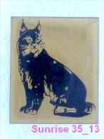 Animals: Lynx - Bobcat - Catamount - Trot National Park Baikal / Old Soviet Badge ( Heavy Metal )_035_an2226 - Animals