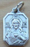 Med-2811 Médaille Hexagonale Cœur Sacré De Jésus à Voir , Gravée France Sur Bélière - Godsdienst & Esoterisme