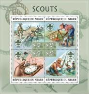nig13304a Niger 2013 Scout Scouting s/s Scott:1196 Clock Bridge