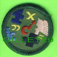SCOUTISME - ÉCUSSON EN TISSU, SCOUT -  MATHÉMATIQUE - - Scouting