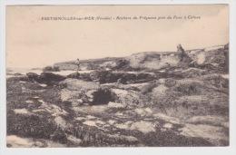(RECTO / VERSO) BRETIGNOLLES SUR MER EN 1932 - ROCHERS DU PREGNEAU PRES DU FOUR A CATEAU AVEC PERSONNAGE SUR ROCHER - Bretignolles Sur Mer
