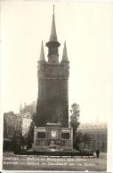 COURTRAI / KORTRIJK ; Beffroi Et Monuments Aux Morts / Belfort En De Standbeeld Aan De Helden - RARE CPA - Cachet 1935 - Kortrijk