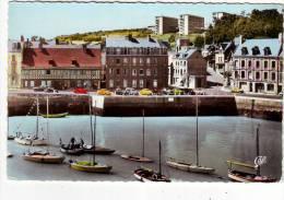 Cpsm  St Valery En Caux  Le Port Et Les Quais - Saint Valery En Caux