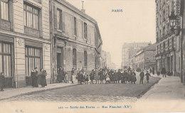 PARIS XX Edition CP N° 200  Rue PLANCHAT Animée ENFANTS à La Sortie Des ECOLES En 1906 - District 20
