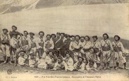 A La Frontière Franco-Italienne Bersagliers Et Chasseurs Alpins - Regiments