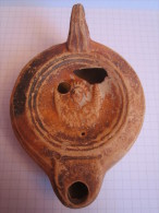 Lampe à Huile - Période Romaine - Figurant Le Buste D'Afrique - Archéologie