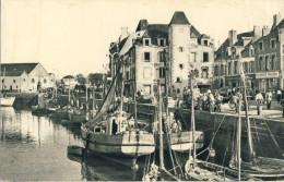 CP, 44, Le Croisic, Quai De L'Aiguillon, Voyagé En 1949 - Le Croisic