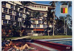 Cameroun--DOUALA--Hotel Des Cocotiers (animée,piscine),cpm N°5768 éd Iris - Cameroun