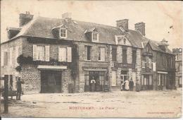 Cpa, Montchamp (Calvados), La Place, Bien Animée (commerces) - Frankreich
