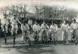 Carte Photo - AIX-EN-PROVENCE  1952 Canaval LII - Corso Carnavalesque : Les Rois De La Pédale - Unclassified