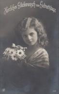 Geburtstagskarte Mädchen Mit Blumenstrauß Gelaufen  29.7.14 - Geburtstag