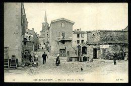 63 - CHATELGUYON - Place Du Marché Et L´Église - ANIMÉE - Châtel-Guyon