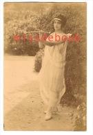 Beauté, Jeune Femme Déguisée En Cupidon 10 X 14 Beauty, Young Woman Disguised There Cupidon, Angel - Personnes Anonymes