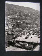 == Norge Bergen Altes Foto , Alte Schiffe Und Autos.. * - Norway