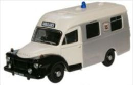Oxford 76BED005, Bedford J1 Ambulance Hertfordshire, 1:76 - Véhicules Routiers