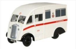 Oxford 76CM007, Commer Q25 Birmingham Ambulance, 1:76 - Baanvoertuigen
