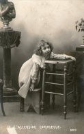 - Petite Fille Sur Un Banc ,Buste,Chaise - 1906  - (NED) - Ohne Zuordnung