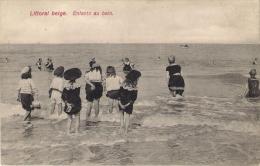 Littoral Belge. Enfants Au Bain .Très Belle Animation - Belgique