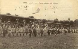 CPA (57)    METZ      14 Juillet 1919 Pendant La Revue Les Tribunes - Metz