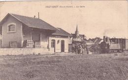 CPA 70 @ FRETIGNEY @ La GARE Avec Train - Loco Sur Le Quai @ Animée - Autres Communes