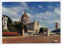 LISIEUX--La Basilique Ste Thérèse (voiture Citroen DS) Cpm Exclusivité Direction Pélerinage N° 14366 éd Combier - Lisieux
