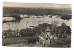 Corbie (80) : Vue Aérienne Au Niveau D´une Villa En Bord  D´étang En 1953  PF - Corbie