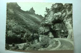 D 48 - Un Des Curieux Aspects De La Route Du Rozier Aux Vignes, Le Rocher De Capluc - Les Gorges Du Tarn - Non Classés