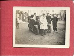 56 QUIBERON LE 19  01 1930 DEVANT LE CENTRAL GARAGE   QUATRE  AMIS  ET  LEUR  AUTOMOBILE ANCIENNE - Quiberon