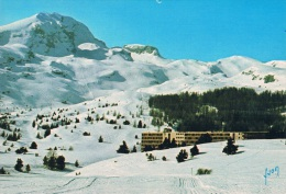 SUPER-DEVOLUY (Hautes-Alpes) - La Station , Le Domaine Skiable Et Le Pic De Bure En Hiver Sous La Neige - 1988, 2 Scans - France