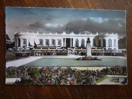 Deauville ( 14 ) La Plage Fleurie - Le Casino Et Les Jardins - Deauville