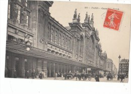 PARIS X  Du Monde Devant La Façade De La GARE Du NORD  Animation Attelages Belle Architecture En 1913 - District 10