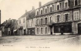CPA DIGOIN (71) La Place Du Marché Commerces Banque Régionale Du Centre - Digoin