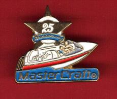 29020-pin's Bateau.Hors Bord.Master Craft.signé AMG Geneve... - Barcos