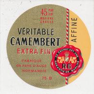 H 79 / ETIQUETTE    FROMAGE -  CAMEMBERT   FAB EN PAYS D'AUGE  75 B - Fromage