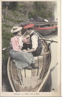 7448 - Couple Idylle Au Bord De L'Eau Barque - Paare