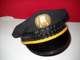 Casquette De Capitaine  De Pompier Américain US - Army & War