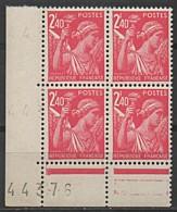 FRANCE 1944 Bloc De 4 Y&T N° 654 Coin De Feuille Numéroté N** - 1939-44 Iris