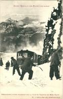 Deblaiment D'une Avalanche Sur La Voie Du Tramway Du Mont Blanc - Saint-Gervais-les-Bains