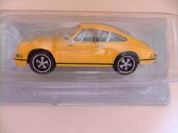 PORSCHE  911 S  COUPE   2.4  1971  COLOR  AMARILLO          DeA   BY HIGH SPEED  SPECIAL EDITION - Otros